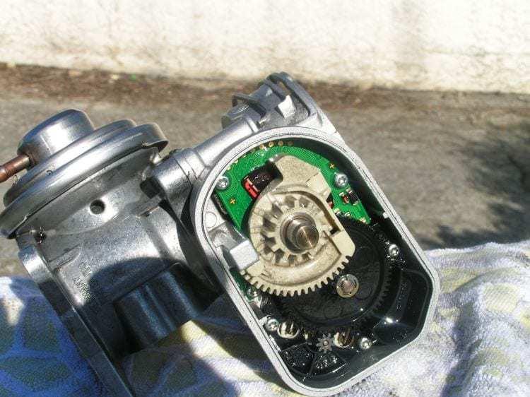 egr hs.1 - Eco-nettoyage Bardahl - Nettoyage moteur - Déclaminage moteur